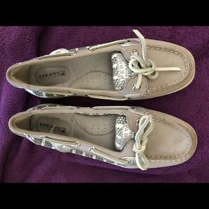 Sperry Top-Sider - Size 6